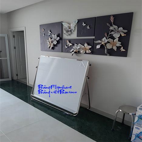 Bảng Flipchart từ Hàn Quốc viết bút lông chân inox