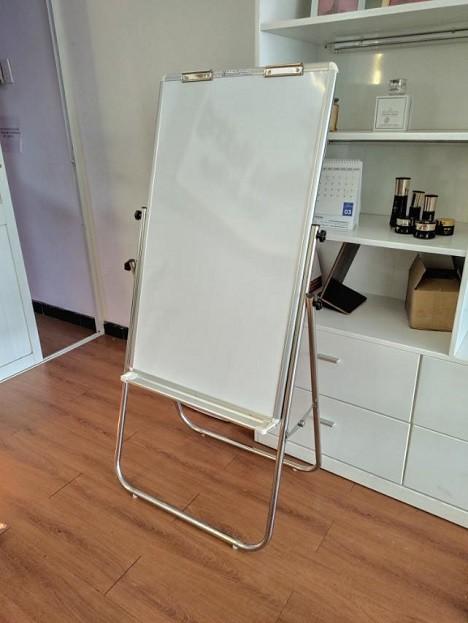 Bảng viết bút lông có từ - Bảng Flipchart chân inox