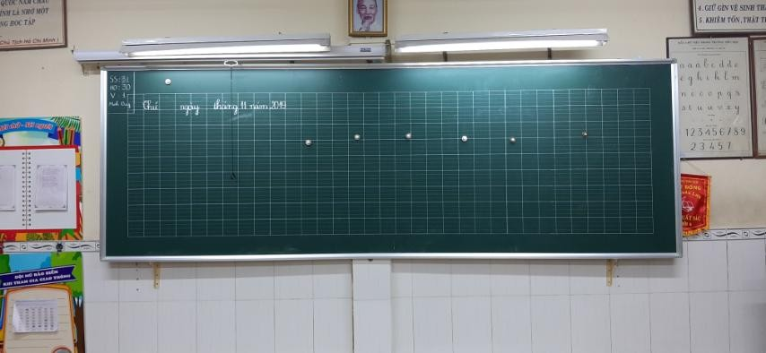 Bảng viết phấn từ Hàn Quốc in ô ly tiểu học theo yêu cầu